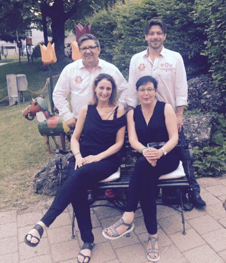 SchwiizerMix & Team mit Iris und Vero